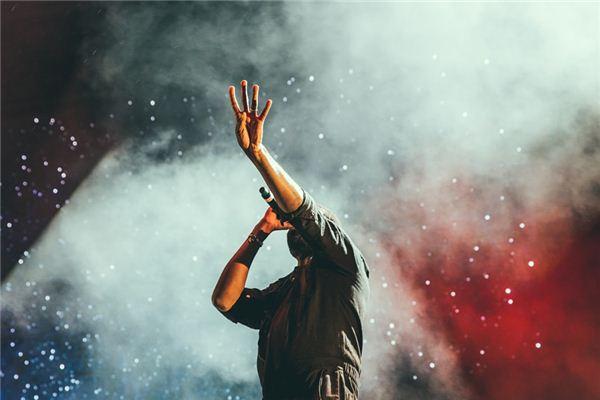 Was bedeutet ein Sänger in einem Traum? Traum Weissagung
