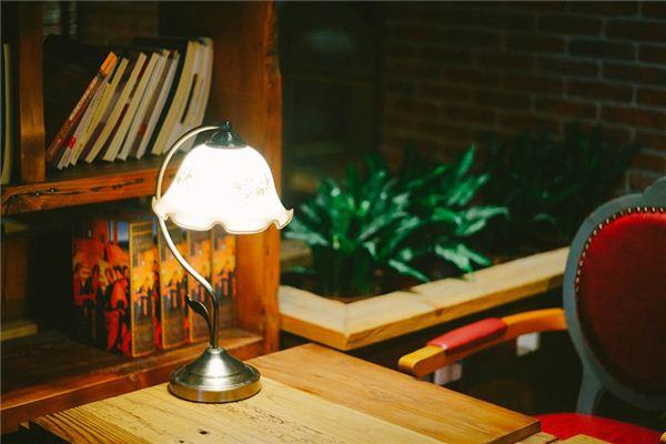 Die Traumdeutung vom Schreibtisch