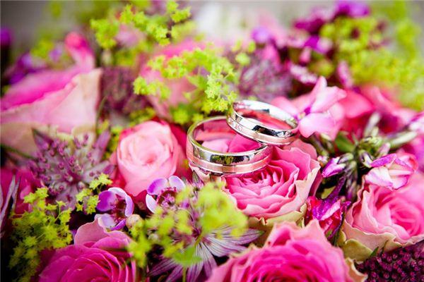 Traumdeutung über das Geben von Ringen