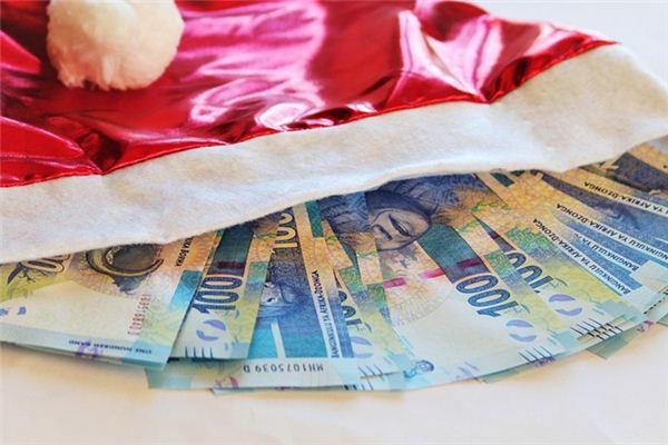 Die Traumdeutung von jemandem, der mir Geld gibt