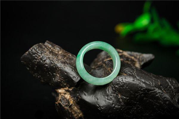 Traumdeutung von Smaragd Smaragden
